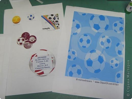 Я занимаюсь футболом. Мне очень нравиться.   для своего дневника выбрал футбольную тему.  фото 4