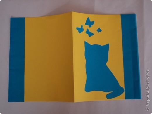 Я думаю, моя обложка  понравится девчонкам.  Милый котенок и бабочки, сочетание синего и желтого цветов, поднимут  настроение, даже на самом сложном предмете. фото 1