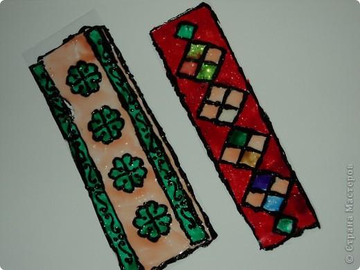 Мои закладки выполнены с помощью витражных красок.  фото 2