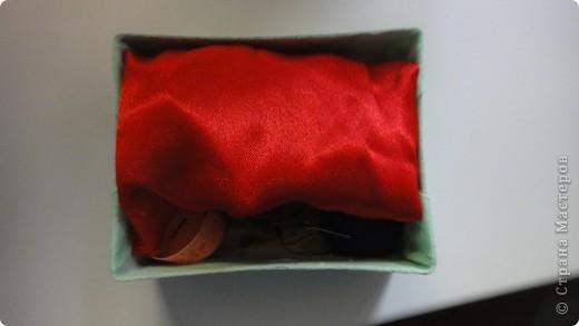 Все необходимое для труда по швейному делу умещается в таком пенале.  фото 3