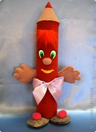 Мне нравится шить игрушки, поэтому я сделала вот такой забавный пенал. фото 1