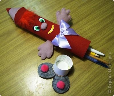 Мне нравится шить игрушки, поэтому я сделала вот такой забавный пенал. фото 2