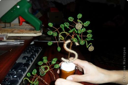 """Мне очень нравятся поделки из бисера. И я попробовала сделать по МК https://stranamasterov.ru/node/276301 """"денежное"""" дерево. фото 2"""
