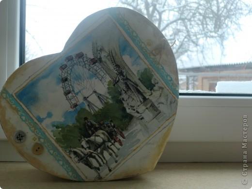 Моя коробочка декорированная салфеткой...пуговками, по краях тонированная золотой краской! фото 4