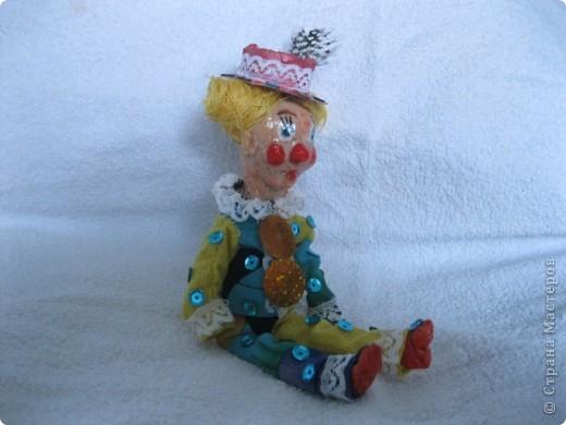 В третью субботу апреля отмечается День цирка. А какой же цирк без клоуна?  Вот такой забавный Клепа получился у меня из соленого теста! фото 2