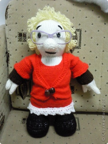 Вот такая бабулька-блондинка у меня получилась!Бабулька связана под руководством Марморина. фото 7