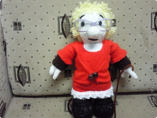 Вот такая бабулька-блондинка у меня получилась!Бабулька связана под руководством Марморина. фото 1