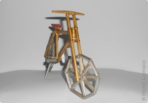 12 мая в Нидерландах празднуется день велосипедиста. именно к этому празднику приурочена наша работа - деревянная модель велосипеда. фото 5