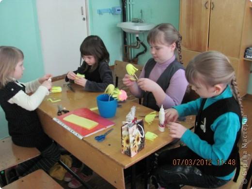 """Дружную цветочную семейку решили мы сделать с девочками из кружка """"Бумажные фантазии"""". фото 3"""