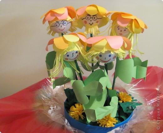 """Дружную цветочную семейку решили мы сделать с девочками из кружка """"Бумажные фантазии"""". фото 10"""