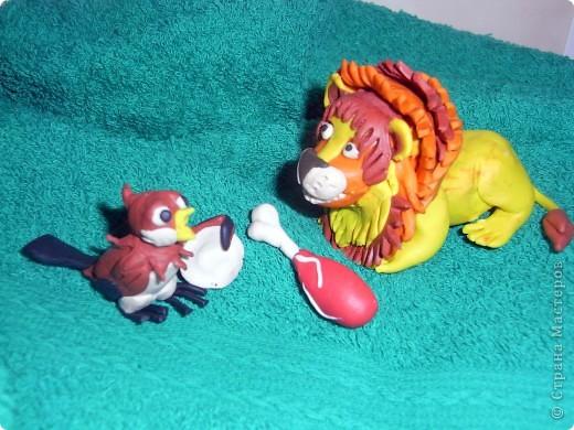 """Я решила продемонстрировать день мультипликации в виде известного мультфильма  """"Где обедал воробей?"""" по  стихотворению С. Маршака. Так очень быстро можно выучить стихотворение и узнать какие звери живут в зоопарке и что они едят.  фото 3"""