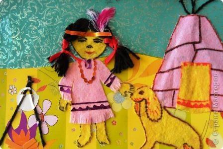 В дождевых лесах восточного Перу обитает около ста индейских племен. Эти племена, практически изолированные от всего остального населения, говорят на местных наречиях и добывают пропитание охотой, рыболовством и земледелием.    Еще одна группа коренного населения включает индейцев, говорящих на языках кечуа и аймара. Многие из них переселились в столицу страны — Лиму и другие города на побережье, но большинство продолжает жить в Андах, занимаясь земледелием и скотоводством.   Это праздник потомков великих строителей и доблестных воинов. Закутавшись в разноцветные пончо из шерсти альпаки, в вязаных, с ушами, шапочках чульо, в этот день они пешком спускаются с плоскогорий Пуно — перекрестка народов, где на берегах самого высокогорного в мире озера Титикака встретились и сумели найти формулу мирного сосуществования две великие индейские цивилизации Южной Америки — кечуа и аймара.   Они идут из Арекипы — «жемчужины юга», чудо-города, сложенного из резного сильяра — белого вулканического туфа. Идут из сотен больших и маленьких поселков Перу, где самобытная индейская культура, тысячелетний уклад жизни горцев сохранились в первозданном виде. Все они собираются на празднование в городе Куско — «центре вселенной», чтобы почтить великих духов гор, попросить у могущественной индейской святыни милости, чтобы очистить души и унести с собой целительную частицу божества. фото 1