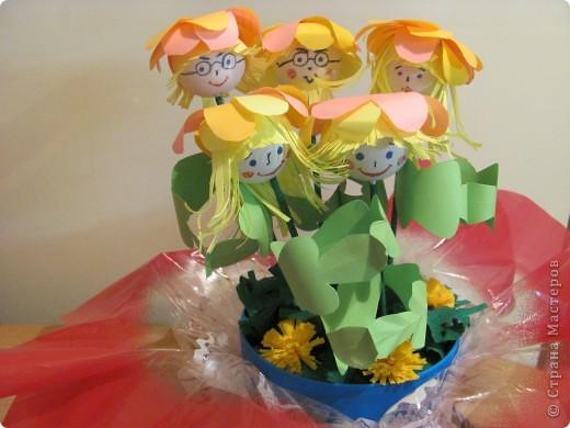 """Дружную цветочную семейку решили мы сделать с девочками из кружка """"Бумажные фантазии"""". фото 1"""