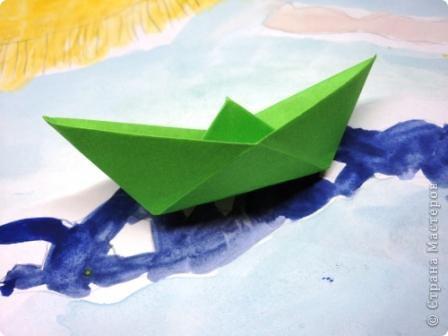 День бумажного кораблика заприметила давно. Все время загадывала не появились ли конкурсные работы, а их все нет и нет. Решила показать пример.   фото 7