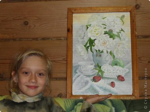 Я поставиля для себя трудную задачу: натюрморт в белом цвете. В натюрморте почти все белое, его оживляет зелень пионов и спелая улубника. Насколько удачны мои труды судить Вам (к сожалению фото не качественное, с фотоопаратом проблемка) фото 2