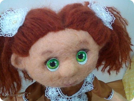 Добрый день, жители Страны Мастеров! Вот такие глазки я получила в подарок к 1 сентября.  Это моя дочка к началу учебного года сваляла для меня такую зеленоглазую первоклашку. фото 1