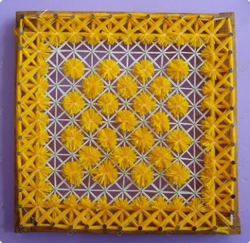 Плетение салфетки на рамке с гвоздями