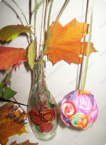 Пенопластовый шарик украшен розочками из  окрашенных ватных дисков фото 20
