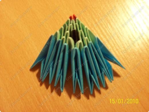 А вот и мой первый мастер-класс! Ура-ура! =) Заинтересуясь этой техникой, я решила воодушевить вас на подвиги и сделать вместе со мной вот такую скалярию! Делается она достаточно просто, особенно по сравнению с объемными фигурами, исполненными в технике модульного оригами!  фото 8