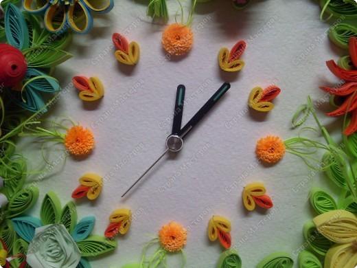 Декор предметов Квиллинг Часы в технике квиллинг Бумажные полосы фото 9