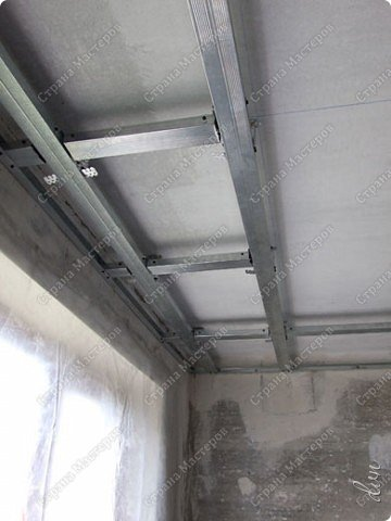 "Vasil Dziashkouski hand made. [video:https://www.youtube.com/watch?v=6mLZUxPFES0 width:640 height:360 ]  Это окончательный вид подвесного потолка из гипсокартона и профилей типа ""Армстронг"".  фото 6"