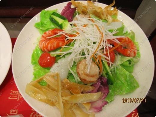 Во многих ресторанах Японии меню представлено в виде макетов еды. Очень удобно, так как сразу имеешь представление, что за еда тебя ожидает, как она выглядит и сколько стоит. фото 10
