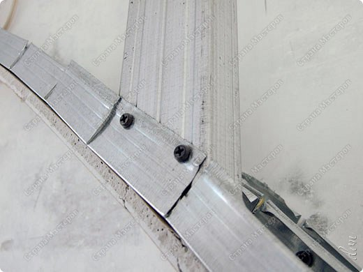 Vasil Dziashkouski hand made. [video:https://www.youtube.com/watch?v=7SE3YSClmgU width:640 height:360 autoplay:1]   И снова работаем с гипсокартоном. Вот такую конструкцию соорудил в зале на стене. фото 16