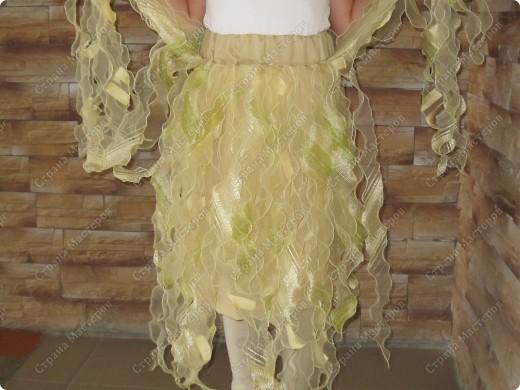 Из остатков портьерных тканей сшила дочке юбочку на праздник. Получилось довольно нарядно. Некоторые наши девушки (те, что совсем шить не умеют) думали, что покупная.  фото 2
