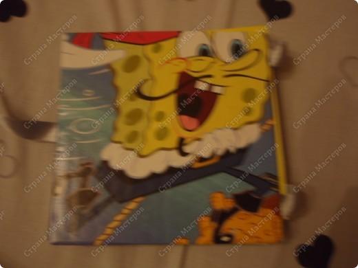 Сделал эту открытку брату на Новый год(он обожает Губку Боба). Надеюсь победить в конкурсе http://stranamasterov.ru/node/118663#comment-887708. фото 2