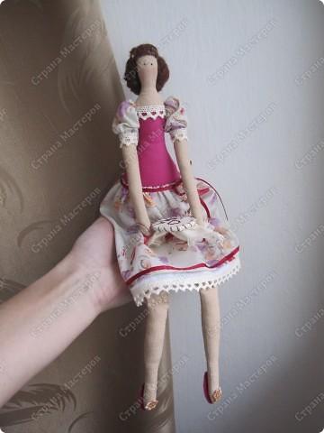 Куколка сегодня отправится в подарок одной замечательной девушке, которая очень любит вышивать. фото 2