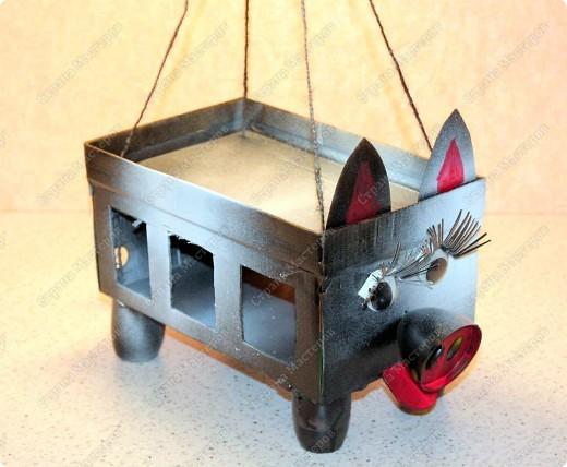 В начальной школе объявили конкурс кормушек для птиц.  фото 2