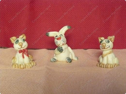 А этих зайчиков можно кушать, потому что они сделаны из сладкого материала (мастики) их я делаю в подарок на тирты к новому году фото 2