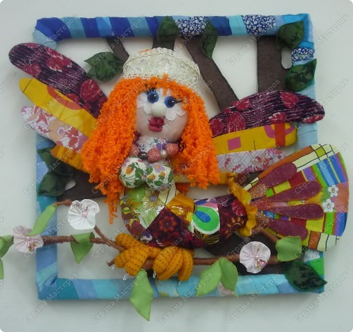 """Представляю детский проект """"Птица-счастья"""", ученицы 8 класса Щедриной Виктории. Мы сшили игрушку  из лоскутов и поместили в рамку. фото 1"""