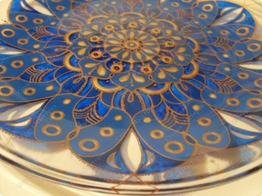 Тарелка икеа, такая вполне себе прозрачная.  фото 2