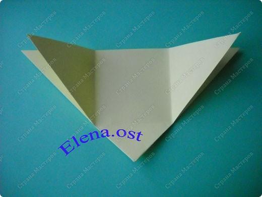 Оригинальная коробочка-котик в технике оригами. Лучше использовать плотную бумагу, тогда коробочка хорошо сохраняет форму. Можно использовать как для хранения различных изделий, или как упаковку для подарка. При копировании статьи, целиком или частично, пожалуйста, указывайте активную ссылку на источник! https://stranamasterov.ru/user/9321 https://stranamasterov.ru/node/132584 фото 4