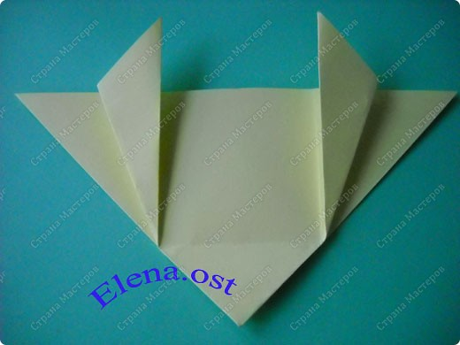 Оригинальная коробочка-котик в технике оригами. Лучше использовать плотную бумагу, тогда коробочка хорошо сохраняет форму. Можно использовать как для хранения различных изделий, или как упаковку для подарка. При копировании статьи, целиком или частично, пожалуйста, указывайте активную ссылку на источник! https://stranamasterov.ru/user/9321 https://stranamasterov.ru/node/132584 фото 5