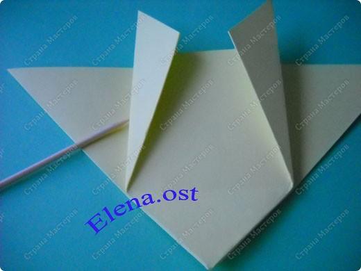Оригинальная коробочка-котик в технике оригами. Лучше использовать плотную бумагу, тогда коробочка хорошо сохраняет форму. Можно использовать как для хранения различных изделий, или как упаковку для подарка. При копировании статьи, целиком или частично, пожалуйста, указывайте активную ссылку на источник! https://stranamasterov.ru/user/9321 https://stranamasterov.ru/node/132584 фото 8