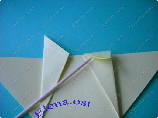 Оригинальная коробочка-котик в технике оригами. Лучше использовать плотную бумагу, тогда коробочка хорошо сохраняет форму. Можно использовать как для хранения различных изделий, или как упаковку для подарка. При копировании статьи, целиком или частично, пожалуйста, указывайте активную ссылку на источник! https://stranamasterov.ru/user/9321 https://stranamasterov.ru/node/132584 фото 9