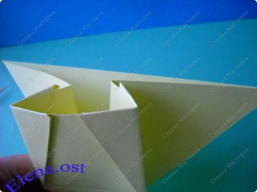 Оригинальная коробочка-котик в технике оригами. Лучше использовать плотную бумагу, тогда коробочка хорошо сохраняет форму. Можно использовать как для хранения различных изделий, или как упаковку для подарка. При копировании статьи, целиком или частично, пожалуйста, указывайте активную ссылку на источник! https://stranamasterov.ru/user/9321 https://stranamasterov.ru/node/132584 фото 10