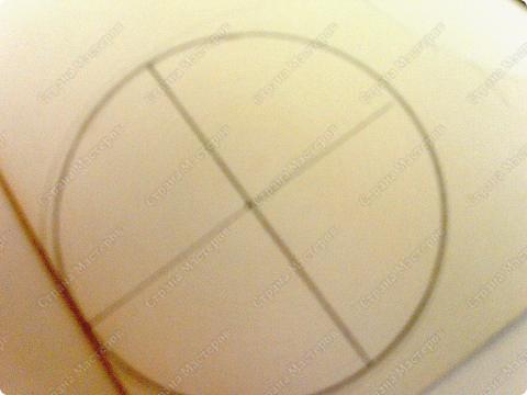 Предлагаю сделать летающую тарелку. нам понадобится- картон, циркуль, ножницы, авторучка без чернил, клей фото 9