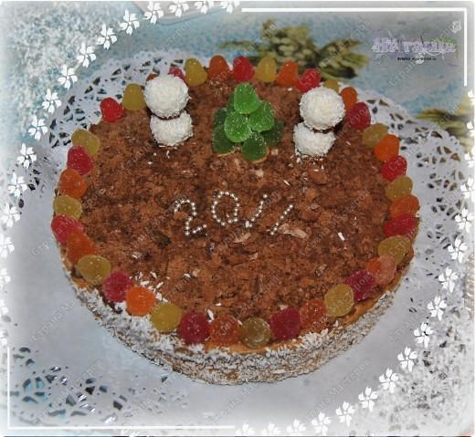 ПОЗДРАВЛЯЮ ЕЩЕ РАЗ ВСЕХ С НАСТУПИВШИМ НОВЫМ ГОДОМ И РОЖДЕСТВОМ!!! И вот - угощайтесь!!! Этот тортик приготовила на свой новогодний стол. Очень прост в изготовлении и без выпечки!!! фото 1