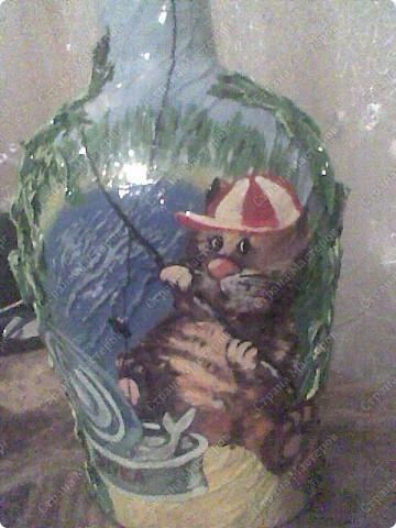 Бутылка с разных сторон. фото 3