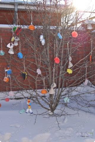 Когда рождественская ель Горит на Рождество, Она сквозь зимнюю метель Приносит в дом тепло.  Это наше чудо-дерево рождественское :-))) фото 1