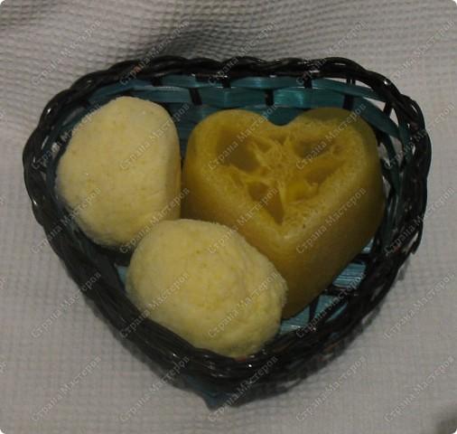 Набор антицеллюлитный: 2 бомбочки для ванн 1 мыло для тела с люфой В состав входят масла апельсина, облепихи и мяты фото 1