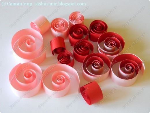 Хочу поделиться идеей оформления открытки. Думаю, такие розы смогут сделать ученики начальных классов. И порадовать своих мам, бабушек и учителей на 8 марта.  фото 2