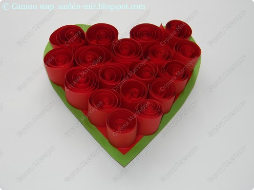 Хочу поделиться идеей оформления открытки. Думаю, такие розы смогут сделать ученики начальных классов. И порадовать своих мам, бабушек и учителей на 8 марта.  фото 5