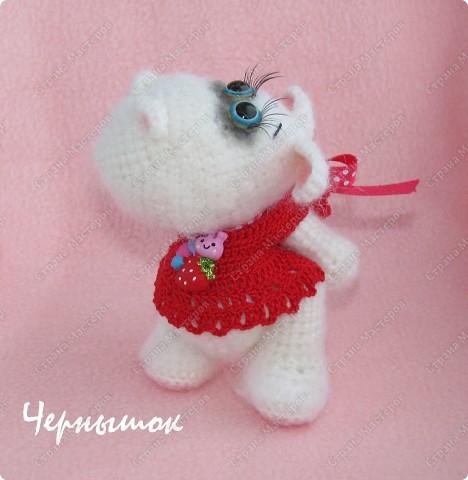Малышка Моня очень любит яркие наряды)) Рост 11 см. Пряжа ангора. Крепления лап и головы подвижные фото 1