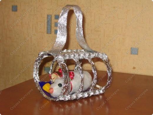 Когда сын был еще маленький, нам в садике дали задание сделать талисман года Крысы. У нас, правда, мышь получилась, вот такая :) фото 1