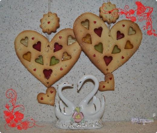 Моим мужичкам в Валентинов день я подарила вот такие вкусные валентинки-печеньки!  Рецепт очень прост и приготовление тоже не трудное. А радости море!!! :-))) фото 2