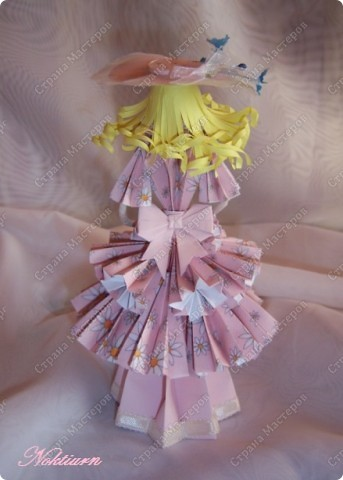 Вот такая у меня родилась кукла с подснежниками. фото 3